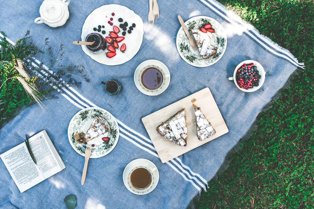 picnic con piezas de la cartuja